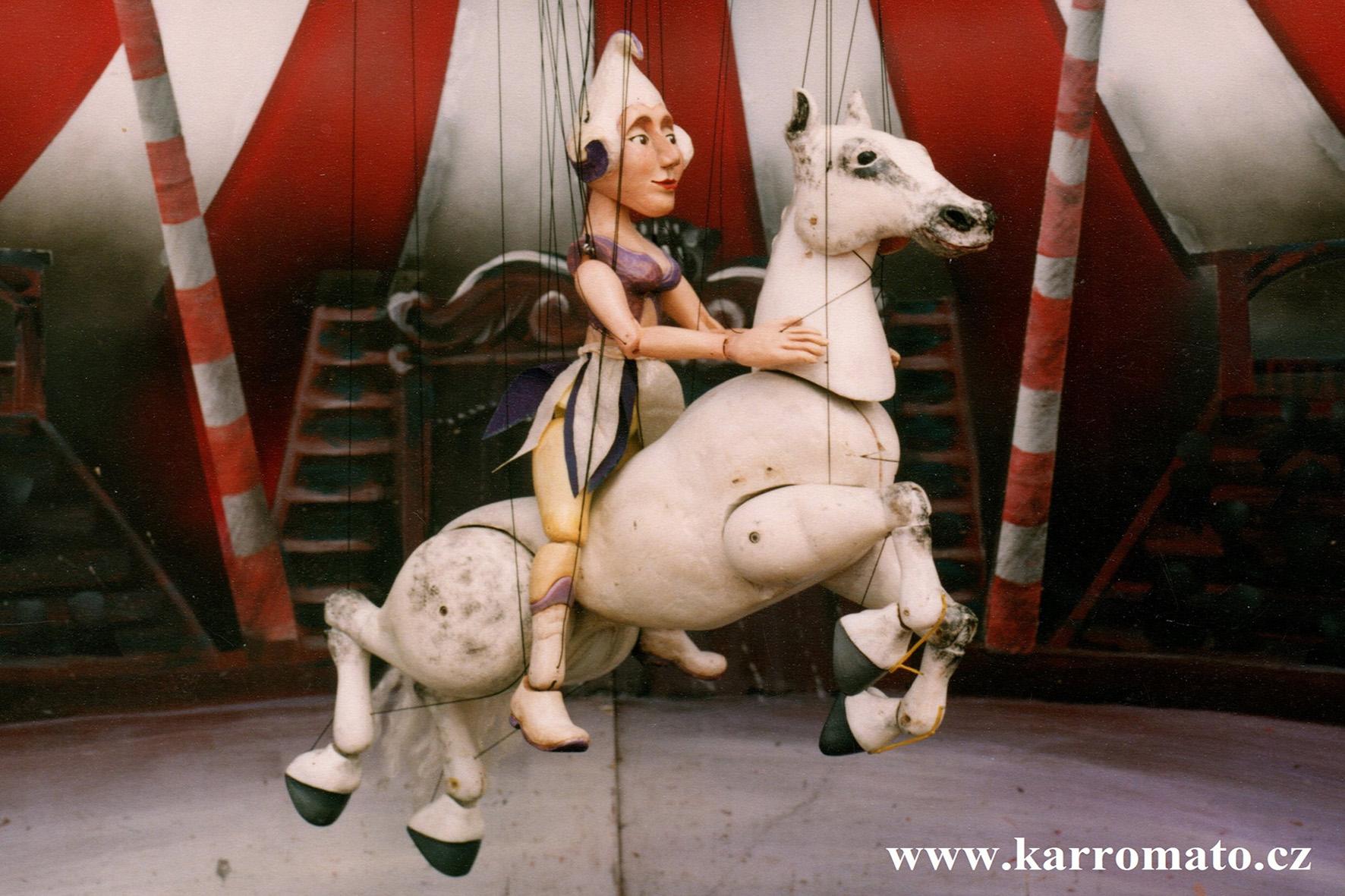Arttitere - Karromato El circo de madera - Encerezados 2018 - FCAYC